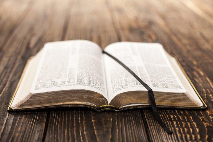 Resultado de imagem para bíblia sagrada