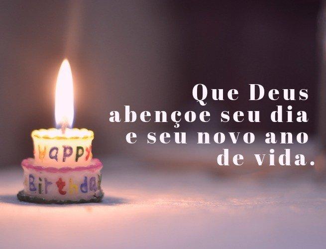 Que Deus abençoe seu dia e seu novo ano de vida.
