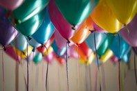 Cartão de aniversário: 60 imagens para enviar a amigos e família 🎉🎁