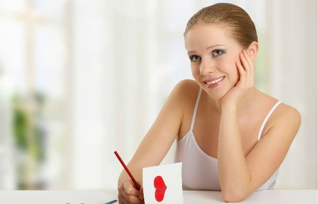 Escrevendo carta de amor