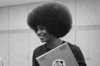 Angela Davis: 20 frases e mensagens poderosas sobre liberdade e justiça!