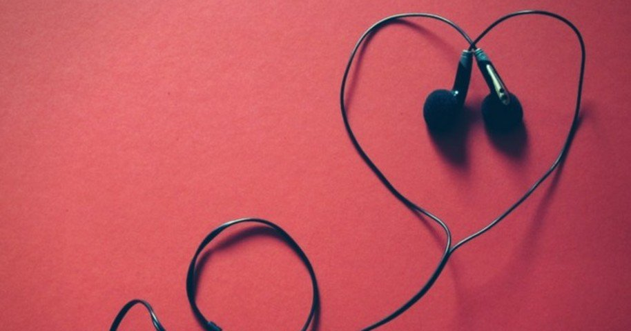 30 Frases De Músicas De Amor Para Se Declarar Ou Usar No Status
