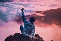 Levanta a cabeça! 50 frases de força para te ajudar a superar um fracasso