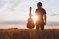 18 frases de músicas sertanejas para viver intensamente os sentimentos