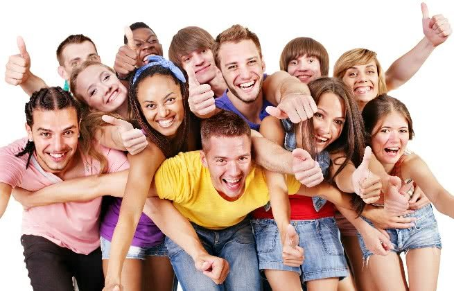 Jovens reunidos