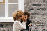 10 Mensagens de amor para homenagear sua mãe