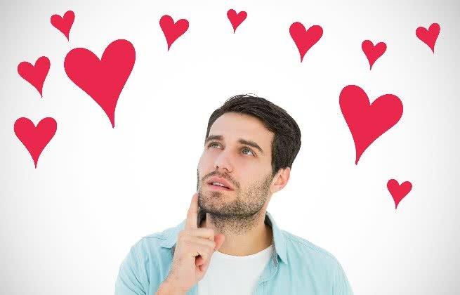 Homem pensando no amor