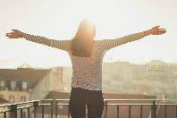 8 Frases de Eckhart Tolle que vão te fazer sentir o poder do agora
